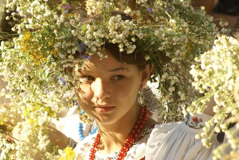 Фото українок у вінку 25 фотография